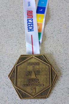OCPulmaraton2016-medaile
